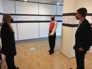 MP Beth Winter speaks to staff in museums art gallery